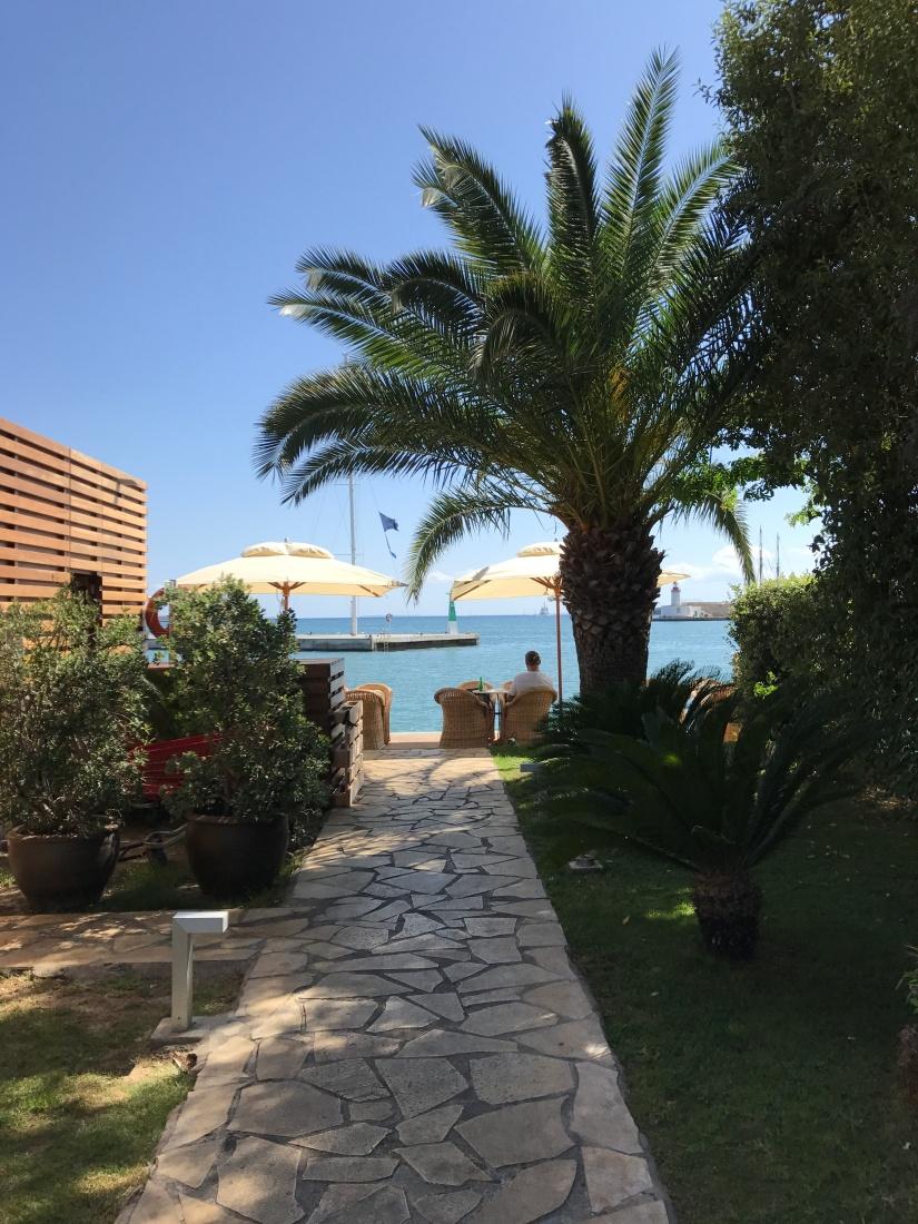 イビサ島への行き方とホテル、クラブなど